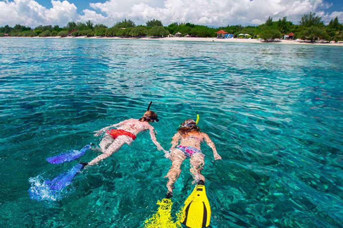 Kura Kura gili meno snorkeling